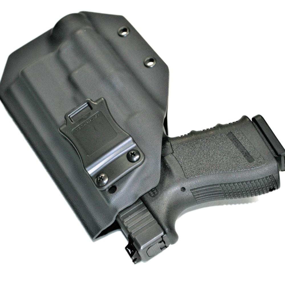 Glock 19 in IWB lightbearing kydex holster